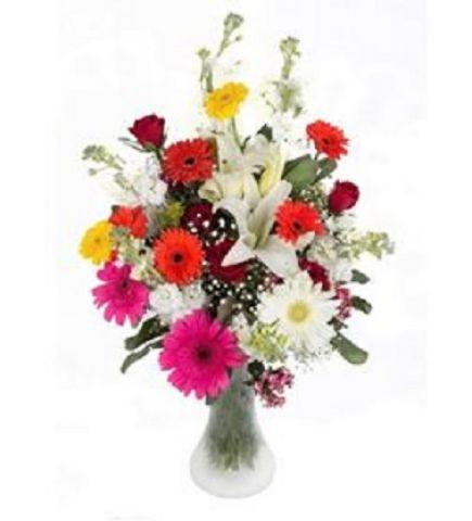 Vazoda Karışık Çiçek